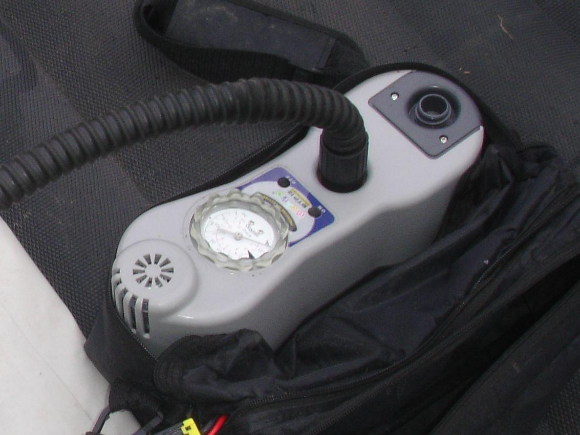 электронасос для накачки лодки и надувных матрасов