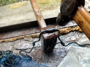закрепление грузов на шнуре кастинговой сети